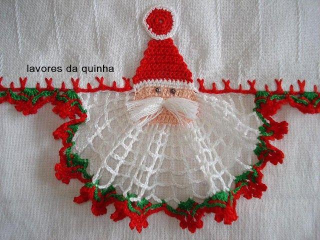 Achei no http://lavoresquinha.blogspot.com.br este paninho lindo para o natal.