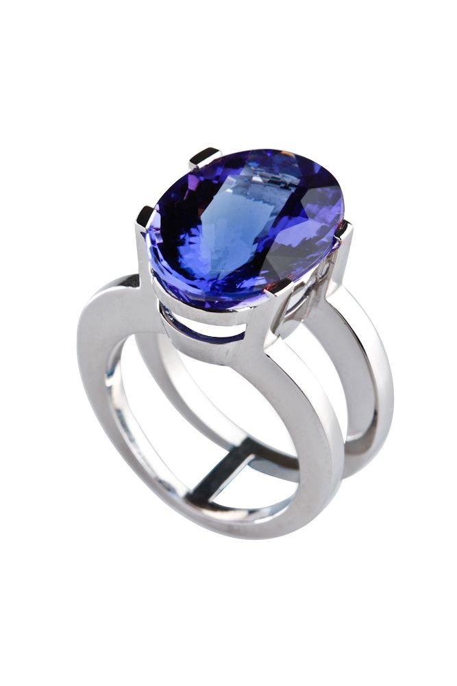 Anillo elaborado en Oro y Zafiro  #jewellery #ring #whitegold #gold #luxury