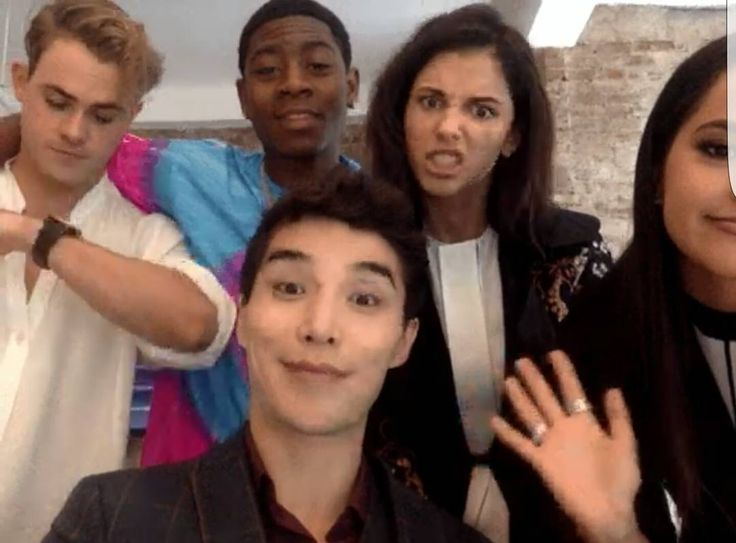 """""""Mi piace"""": 221, commenti: 3 - Power Rangers Cast Pictures (@rangeractors) su Instagram: """"The Movie cast is ready to answer questions today! Did you ask a question? Check out these…"""""""