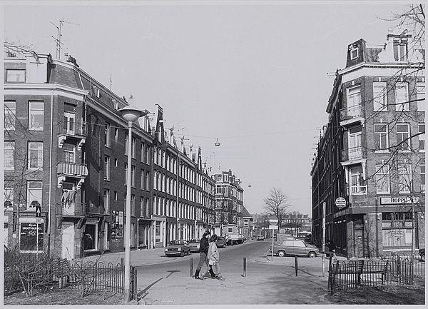 Het huis waar ik geboren ben in Amsterdam, links op de hoe, Frederik Hendrikplantsoen