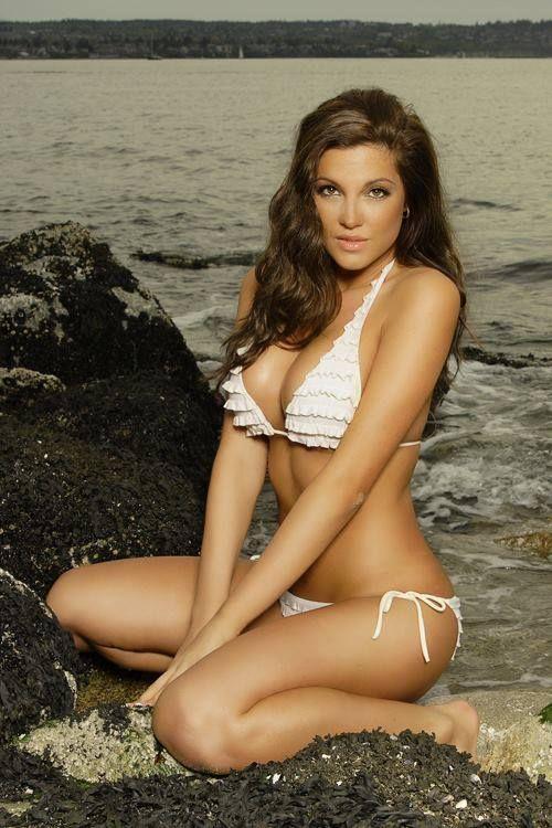 nude Swimsuit Elizabeth Elam (97 photos) Cleavage, Facebook, cleavage