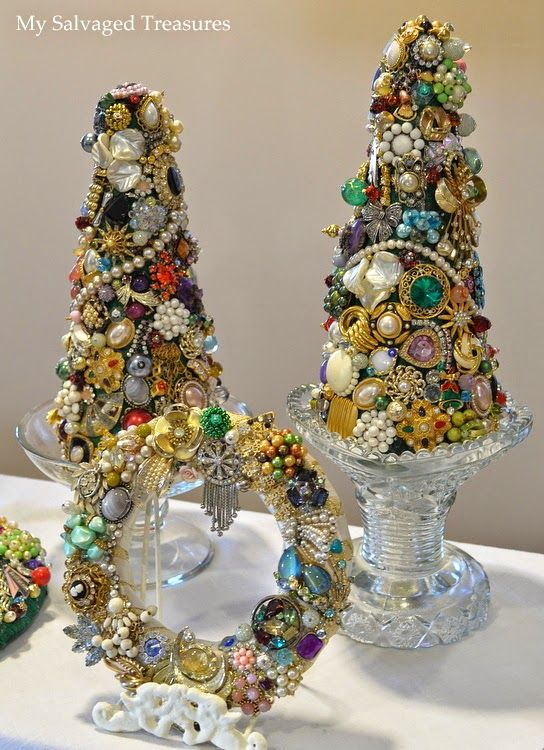 Christmas trees and wreath created with vintage jewels. From MySalvagedTreasures.com