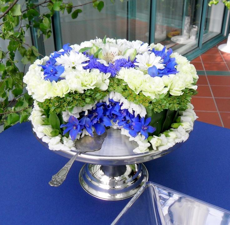 Kesäjuhlien kukkakakkua ei voi syödä. Sekin onnistui, yhteistyöllä Yle Tuotannon kanssa.