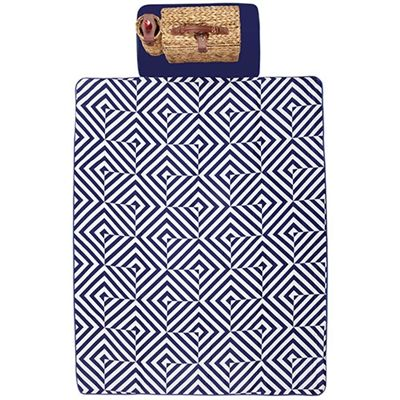 Take mum on a picnic for Mother's Day! This Sunnylife picnic rug has a gorgeous geometric design. This rug is a great thick fabric so it is extra comfortable. We think that you are bound to have more fun on a picnic when you have an awesome picnic rug like this!