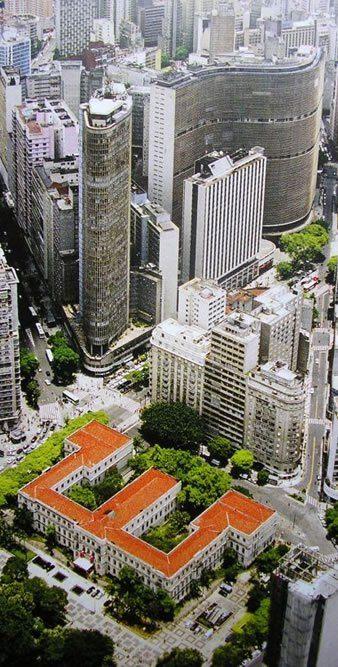 Antigo Colégio Caetano de Campos atual Secretaria da Educação, acima Terraço Itália e ao lado Edifício Copan - São Paulo - Brazil