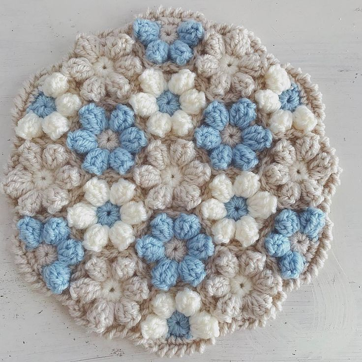爽やかカラー。 #編み物 #かぎ針編み #ハンドメイド #編み物教室 #オーダー #knitting #crochet #円座 #モチーフ編み