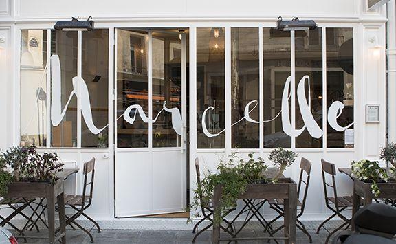 Les 25 meilleures id es de la cat gorie fa ade boutique for Restaurant miroir montmartre