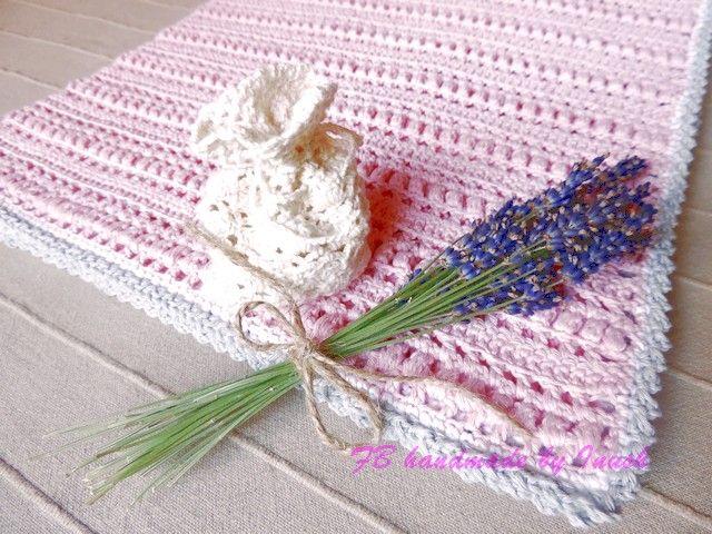 detská deka Amélia, do vozíka aj do postieľky 100% bavlna, baby ružová s jemným sivo bielym okrajom.
