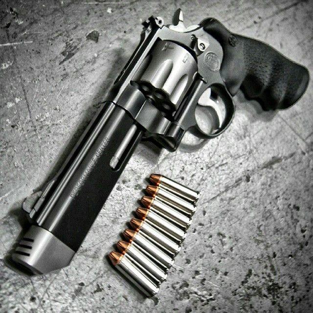 Smith & Wesson .357 MAG 8 Shot Revolver
