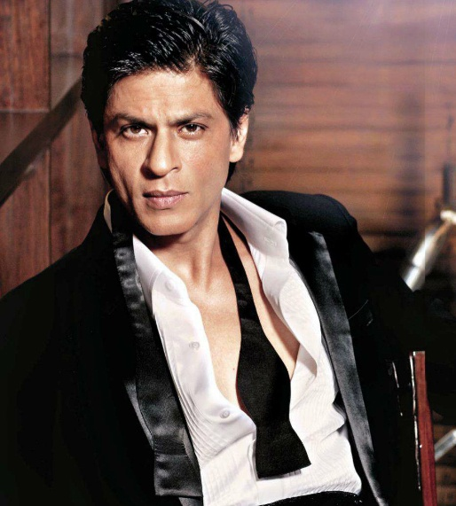Shahrukh Khan, I think I have crush on him. He's one of the most charismatic actors I've ever seen. He's soooo good  and he can dance, sing, be the bad guy (Don, Don2) or the geek guy (Rab ne bana di Jodi) or the scary guy (Darr) and you love him anyway. But when he's the hero (Veer-Zaara, Mohabbatein and others)...WOW...just WOW!