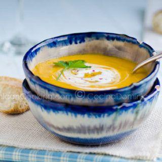 Receta Crema de Auyama: Deliciosa sopa dominicana con sabores delicados, simple pero sofisticada, ideal para todas las edades, perfecta para días frescos.