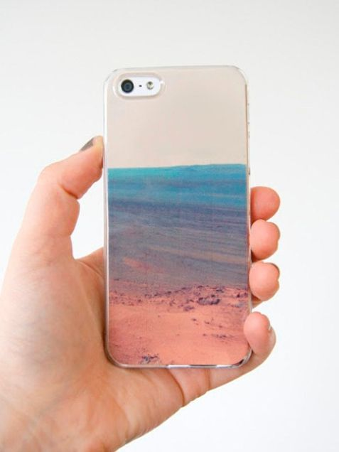 Stylish Ways to Decorate Your Cell Phone Case - iVillage