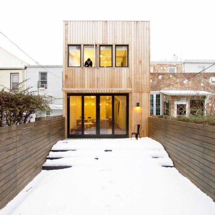 Office of architecture a réalisé cette rénovation et extension dune maison à brooklyn new york lorsque les architectes ont été approchés par le client p