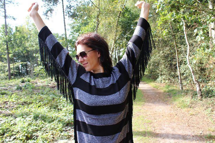 Missy Taylor trui Fringes € 79,95 #missytaylor #fringes #stripes #sweater #trui #jurk #edgy #sunnydays #happy #moderood #mode #kleding