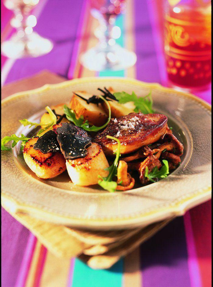 Fricassée de saint-jacques au foie gras et aux girolles