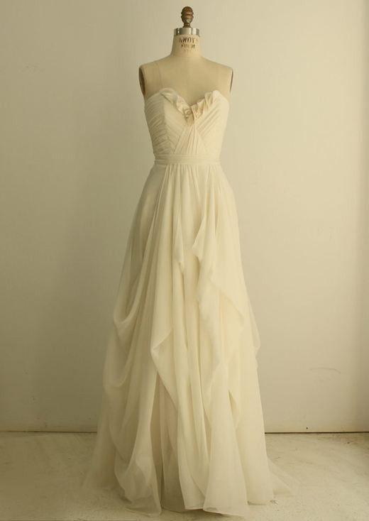 Love this one!: Dresses Wedding, Wedding Dressses, Romantic Wedding, Wedding Ideas, Wedding Dresses, Wedding Gowns, Wedding Photo, Dreams Dresses, Simple Wedding