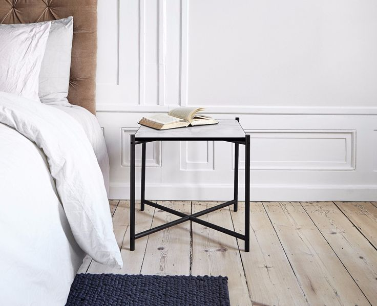 The HANDVÄRK Side Table - white marble - as a night stand. Come and visit the HANDVÄRK Apartement in the heart of Copenhagen.