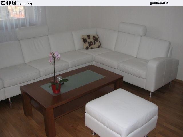 La pulizia dei divani in pelle