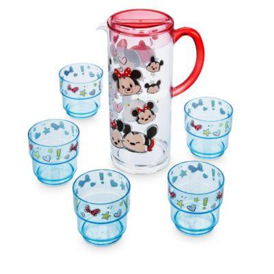 Hydratez-les de la plus adorable des manières avec notre carafe Mickey et Minnie Mouse Tsum Tsum. Avec sa carafe facile à utiliser et ses 5 gobelets, cet ensemble est parfait pour pique-niquer.
