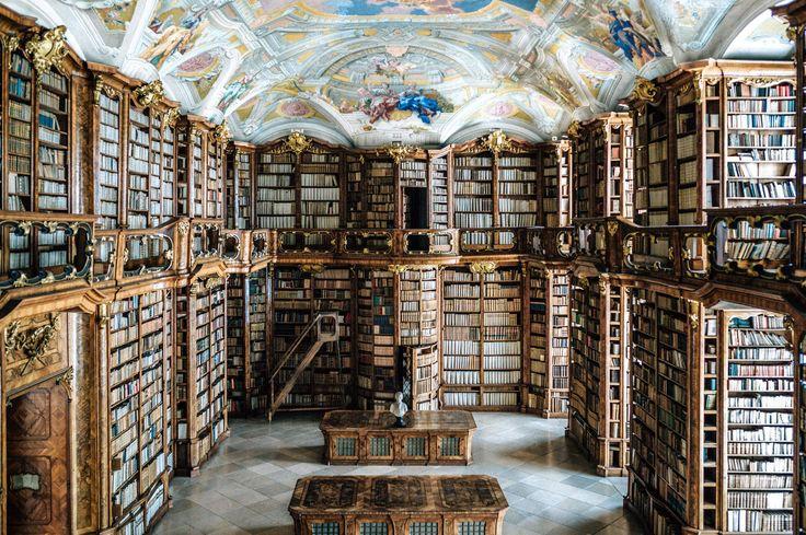 Notre guide pour visiter l'Autriche <3 La superbe bibliothèque St Florian