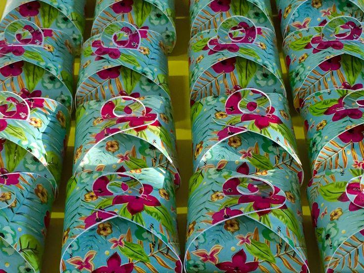 mesa-em-voga-papelaria-personalizada-lembranças-e-brindes-festa-infantil-no-rio-de-janeiro