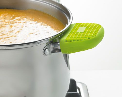 Set 2 Pot Holder £5 The silicone pot holder provides a comfortable grip. Slip and skid resistant for safety. Kleeneze FoodieFriday