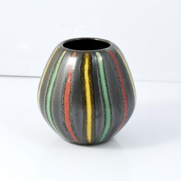 Mały wazon ceramiczny 3190B Scheurlich Keramik, lata 70.   Small ceramic vase 3190B Scheurlich Keramik, 70s.      buy on Patyna.pl   #forsale #vintage #vintagefinds #vintageshop #vintagelove #retro #old #design #home #midcenturymodern #want #amazing #home #inspiration #kitchen #decoration #furniture #ceramics #vase #Scheurlich #Keramik #Germany #German #black #color #70s #1970s #goodoldthings