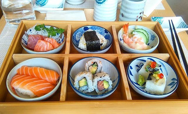 Je pense avoir découvert un des meilleurs japonais de #Lille 😍🐼 C'est beau, et en plus c'est bon 👌👍 #sushi #foodie #restaurant #sushilovers