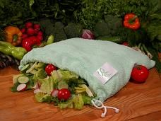 I love to eat fresh whenever possible! The Salad Sac is a great tool to keep your veggies, herbs & lettuce fresh for a long time! I've had heads of romaine lettuce last almost 2 weeks in the SaladSac! I prepare a few days worth of salad at a time & keep it in the Salad Sac in the fridge. It's my go to for a quick snack when I crave that crunch texture! It can be washed & reused over and over too ~ The video is poor quality but check it out 4 more info…