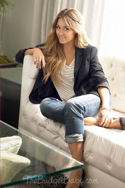 Love Lauren Conrad and this outfit is so simple yet so adorable!  Good work outfit.  I need to buy a blazer for Autumn