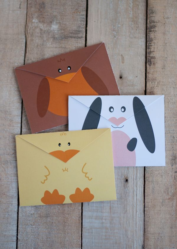 Who says envelops have to be boring? Use this free printable to send fun and happy snail mail!