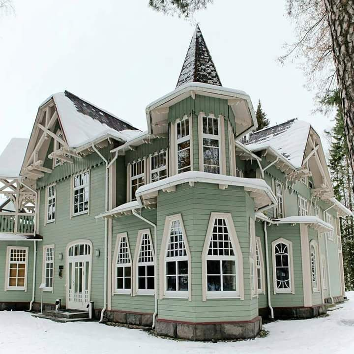 4887 best victorian homes inside out images on for Amazing houses inside and out
