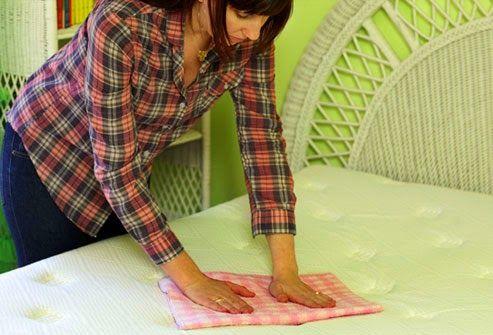 Πώς να καθαρίσετε το στρώμα του κρεβατιού!