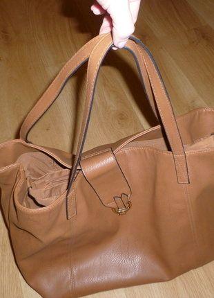 Kupuj mé předměty na #vinted http://www.vinted.cz/damske-tasky-a-batohy/kabelky/13952339-velka-hneda-kabelka-se-zapinanim-na-magnet