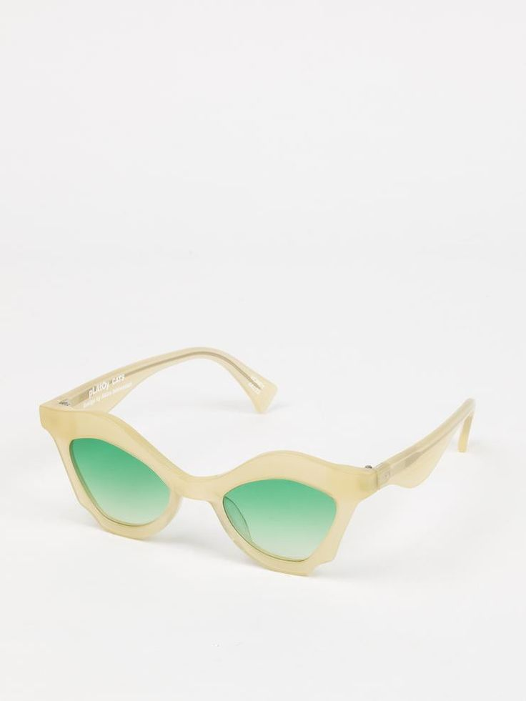 Platoy | Cats in Honey - Sunglasses in a new small cat-eye shape, featuring a bold frame in a delicate honey shade. Honey acetate frame (Japanese cellulose acetate). Mint green gradient lenses. Handmade in Italy. Design by Akira Ishiwatari.
