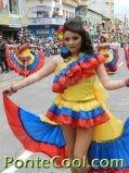 Desfile Fiestas de Ambato Colegio Hispano America
