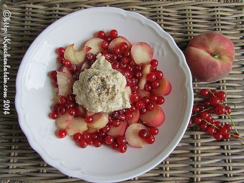 Fruit Salad with long pepper cream - kuechenlatein.com