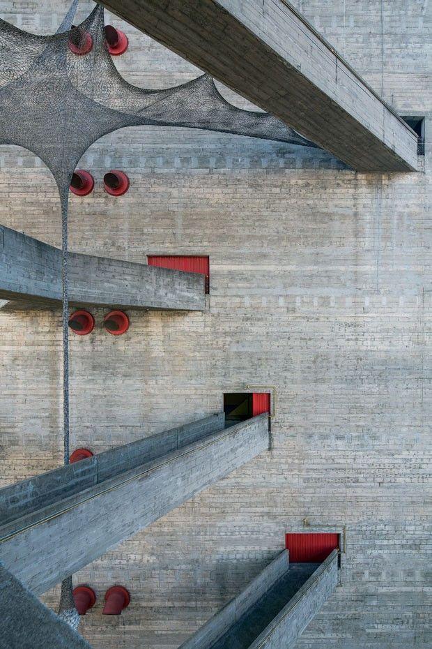A arquitetura dos últimos 40 anos (Foto: Leonardo Finotti)