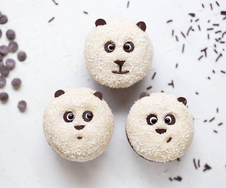 Vegane Panda Muffins sind gluten- und sojafrei und sind leichter zu backen als man denkt! Fast schon zu niedlich, um gegessen zu werden ;-)