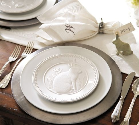 What an adorable place setting with a white runner and monogrammed napkin. * from pottery barn