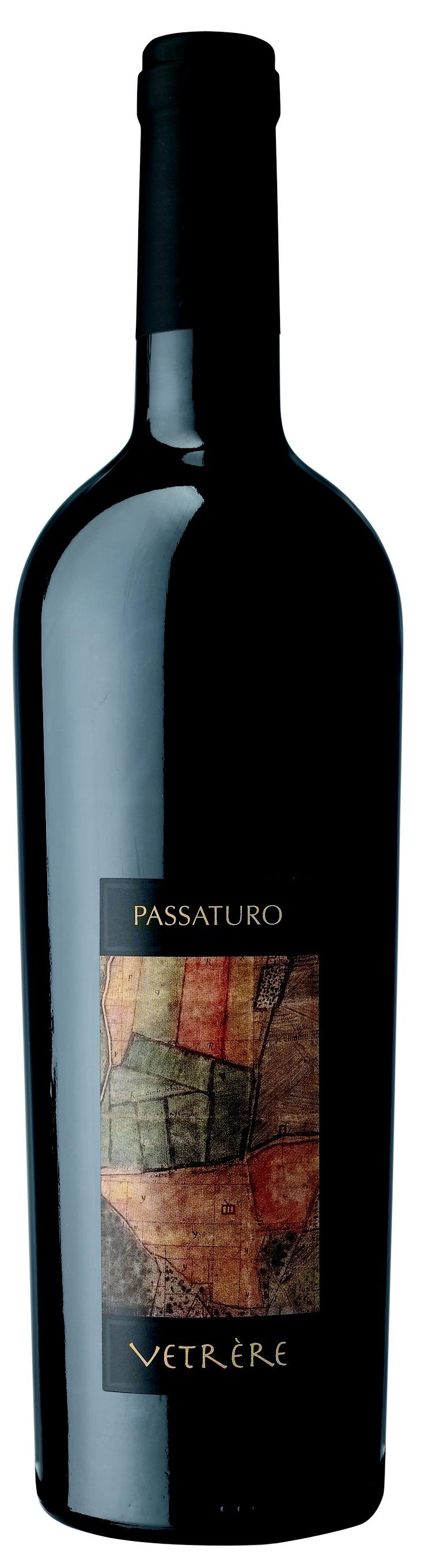 PASSATURO (Rosso) Rosso Salento IGT Uve: Malvasia Abbinamento ai cibi: Salumi, carni alla griglia, formaggi