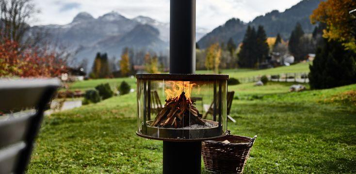 Die Outdoorfeuerstelle RÜEGG SURPRISE kannst du auch online bestellen auf www.ruegg-cheminee.com/surprise