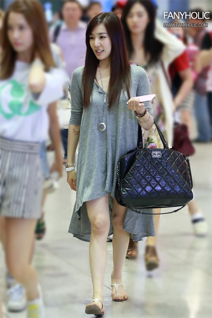 http://okpopgirls.rebzombie.com/wp-content/uploads/2013/06/SNSD-Tiffany-airport-fashion-June-23-4.jpg