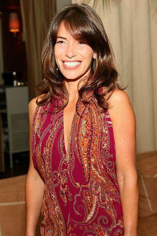 Ez a nő a válóperek királynője. Ő Angelina Jolie válóperes ügyvédje, Laura Wasser.