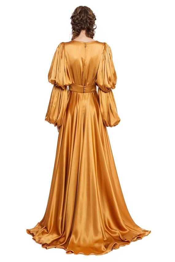 Satin Kleid Mit Handgefertigten Stickereien Mit Bildern Satinkleider Kleider Lange Kleider