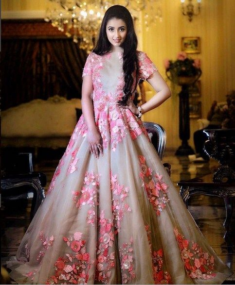 Beautiful Thread Embroidered Floral Gown .For This Gown Mail Us At contact@ladyselection.com