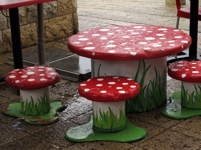 Mushroom table and chairs – #mushed table # chairs #and