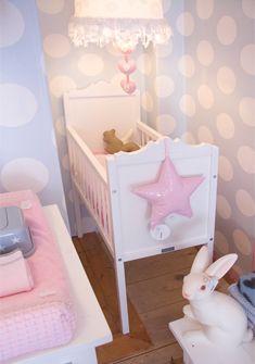 Lieve Dot #babykamer van Saartje Prum   Girl's #nursery