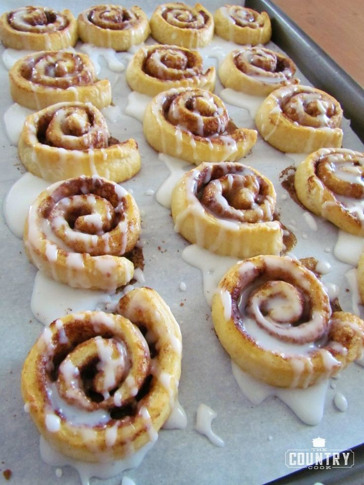These quick and Easy Cinna-Minis (thanks to crescent roll dough) taste just like homemade! The icing takes it over the top! So yummy!