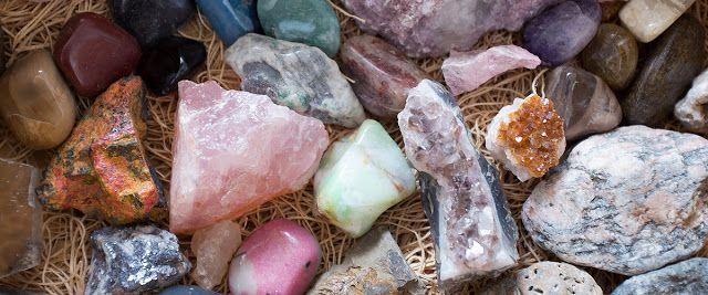 Naturellement bien .: L ' ensemble pour l ' initiation aux pierres minér...